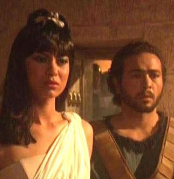 """لقطة من """"كليوباترا"""". فشل وخيبة أمل"""