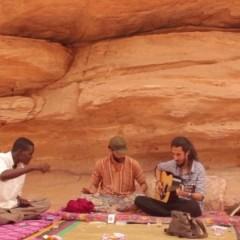 عبر فيلم وموسيقى: فنّانون جزائريّون يعيدون صياغة علاقتهم بمكانهم إفريقيا
