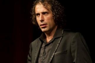 """يوم السبت القادم في حيفا: الممثل والكوميديان أيمن نحّاس """"فارقة معاه"""""""