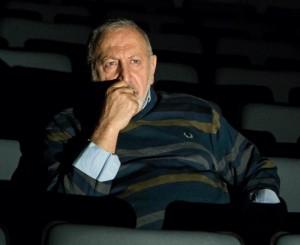 الفنان مكرم خوري، مخرج المسرحيّة
