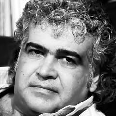 """الروائي خالد خليفة يفوز بجائزة نجيب محفوظ للأدب عن روايته """"لا سكاكين في مطابخ هذه المدينة"""""""